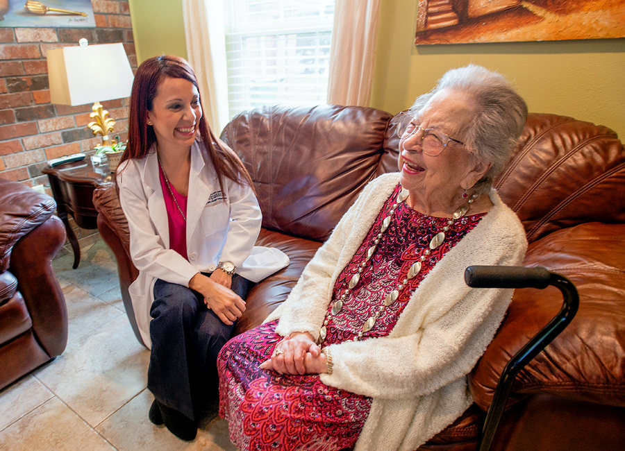 Nurse with hospice patient in Ohio